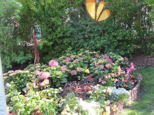 Central Garden1